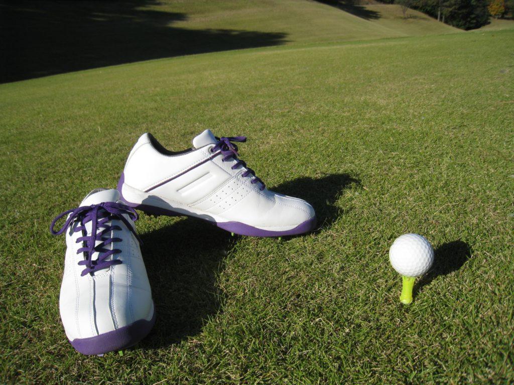 ゴルフ初心者必見!男女別オススメのウェアをご紹介!
