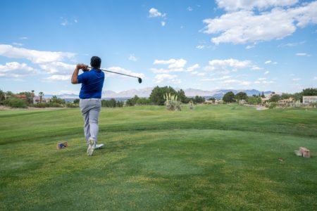 ゴルフコースは一人で回れる?初心者が一人ゴルフを楽しむ方法