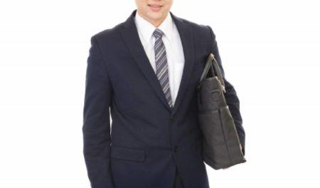 仕事帰りのゴルフ練習はスーツもOK?~服装と準備について~