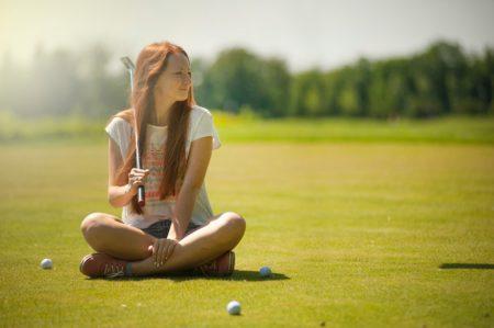 ゴルフの打ちっぱなしに行くときの服装は?基本の服装と注意点