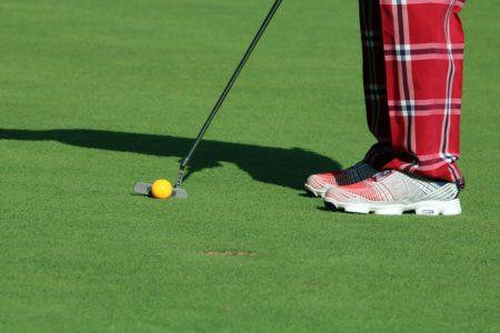 ゴルフ初心者におすすめ!最初に買うゴルフシューズの選び方