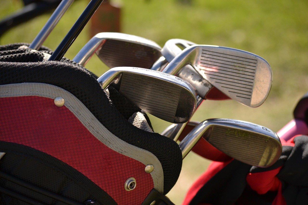 【初心者ゴルファー】ゴルフクラブはどこで買う?いくらくらいかかる?初心者は中古で十分?