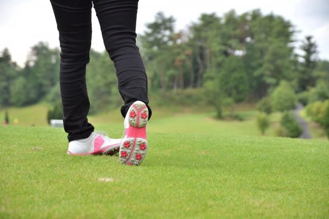 ゴルフのコースを回る時間はどのくらい掛かる?~1ラウンドの平均所要時間の目安とプレーファストのマナー~